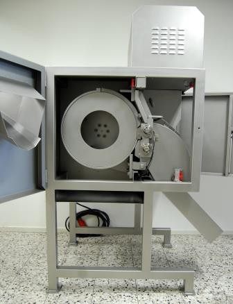 FAM CHD-3D blokjes- en reepjessnijmachine.3